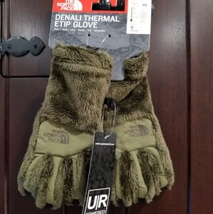 The North Face Women's Denali Thermal Gloves Green